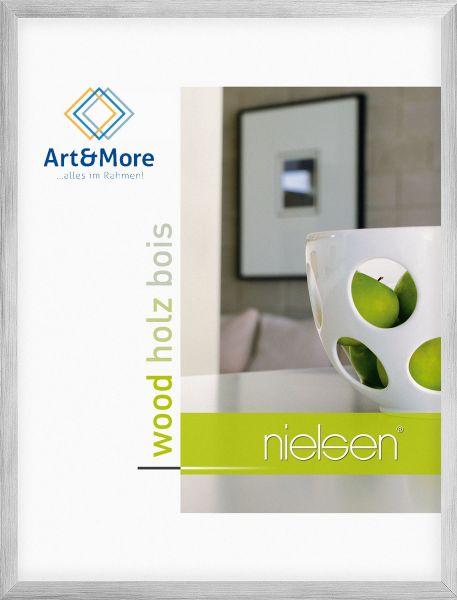 Holz Fotorahmen Nielsen Essential in Silber auf Anthrazit