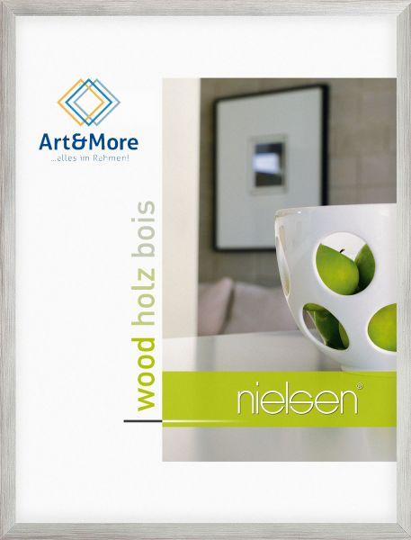 Holz Fotorahmen Nielsen Essential in Silber auf Rot